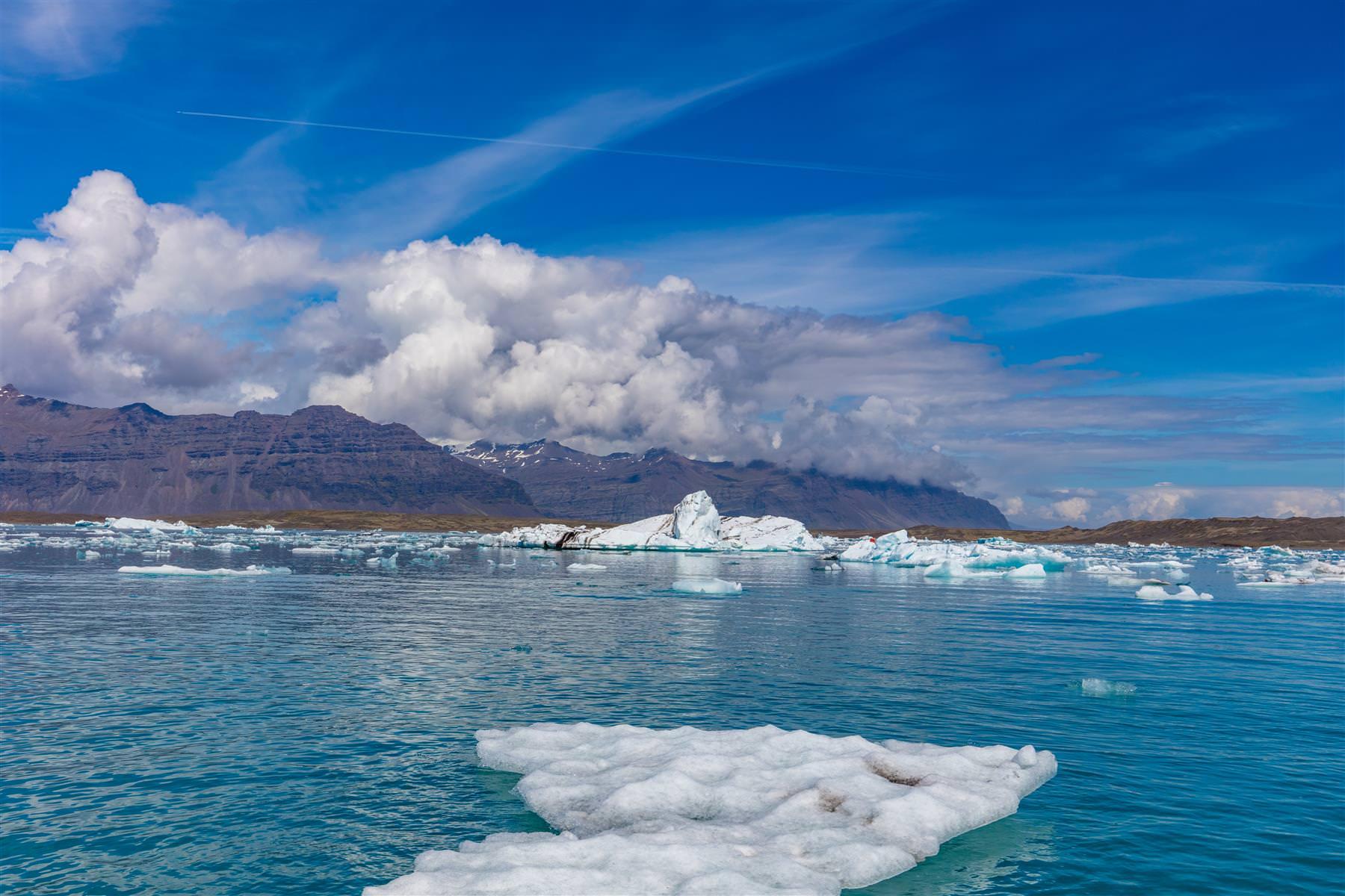 傑古沙龍冰河湖船