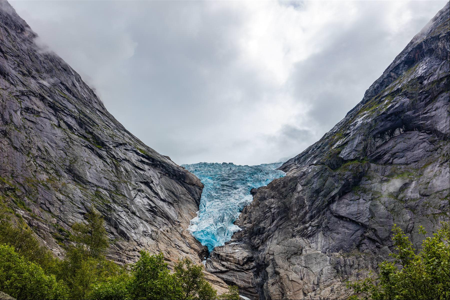 布里斯達爾冰河 Briksdal Glacier
