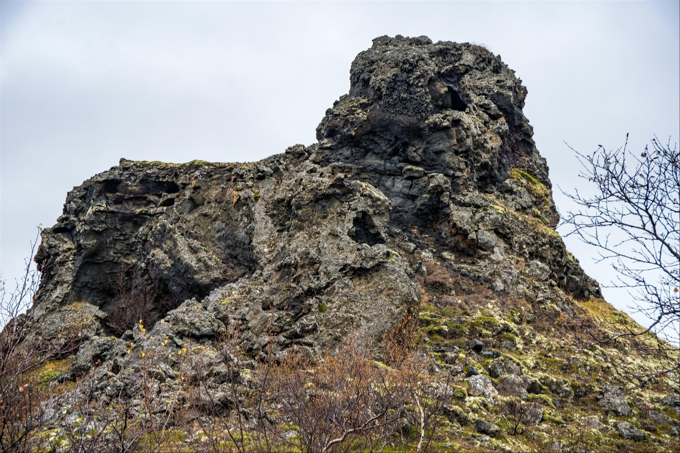 火山溶岩城堡 Dimmuborgir