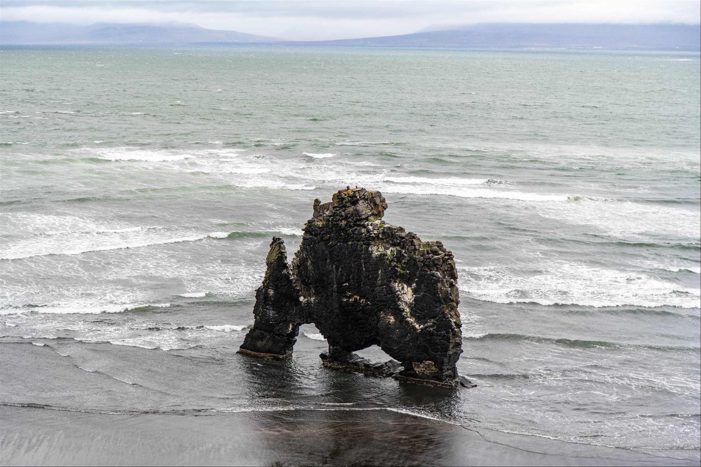 象石岩 Hvitserkur