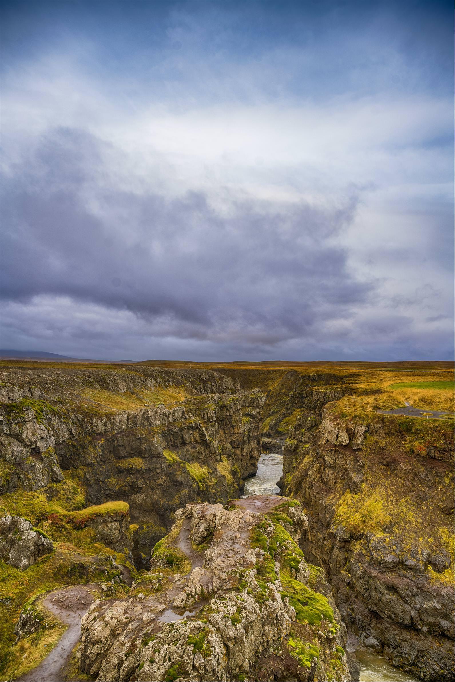 巨人峽谷 Kolugljufur canyon