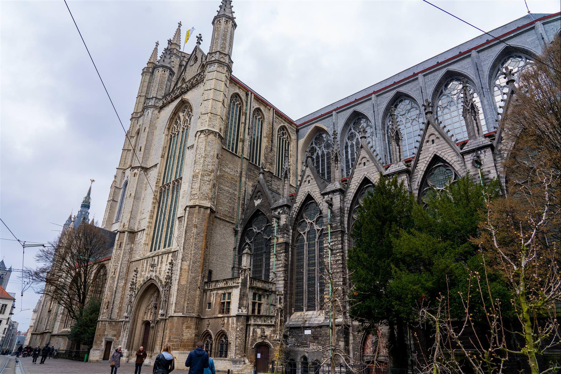 聖巴夫主教座堂