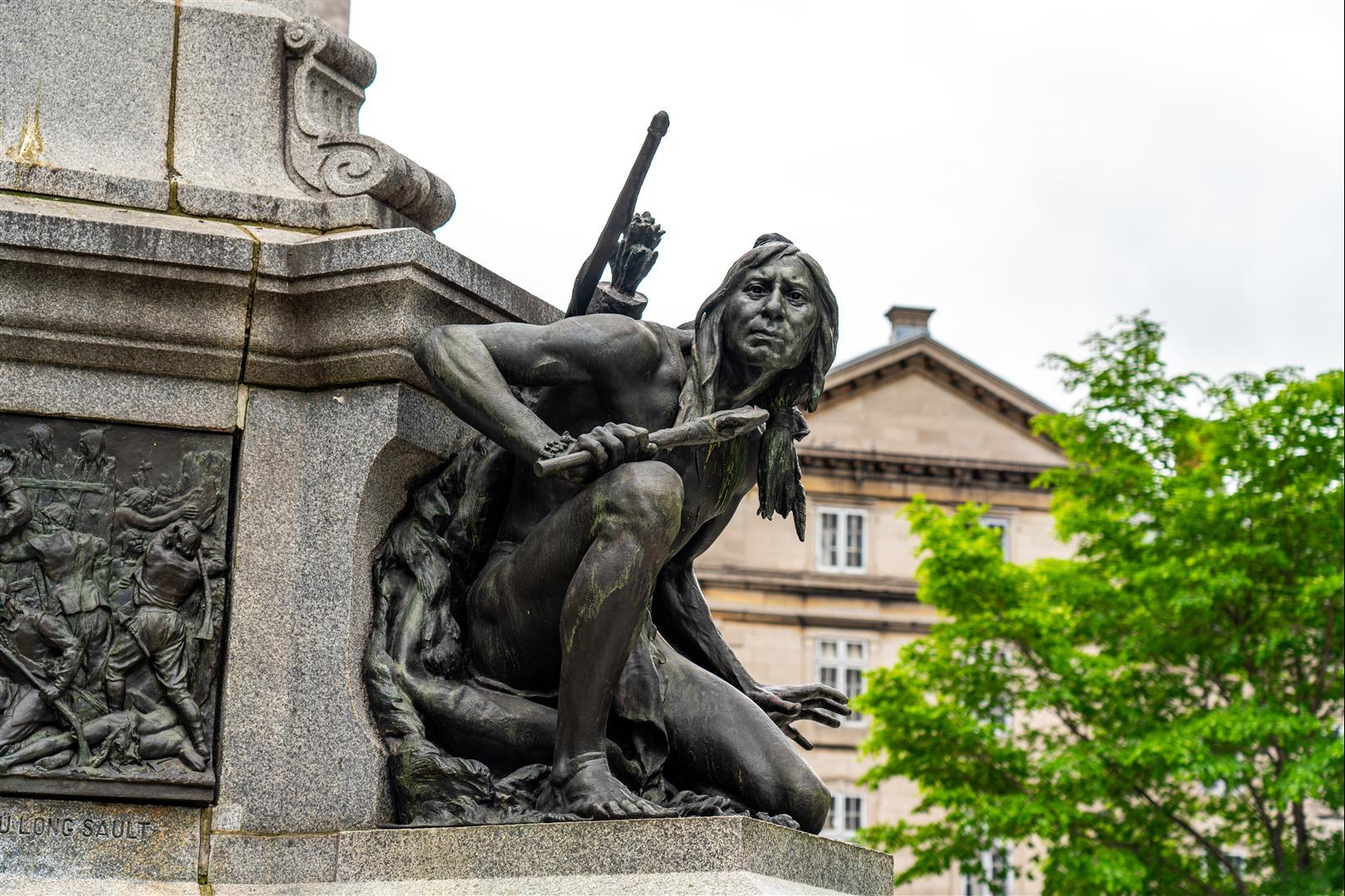 兵器廣場 Place d'Armes