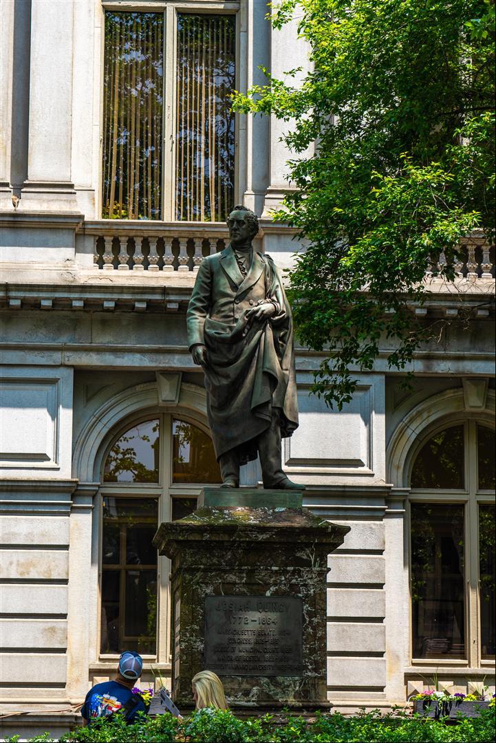 班傑明·富蘭克林雕像