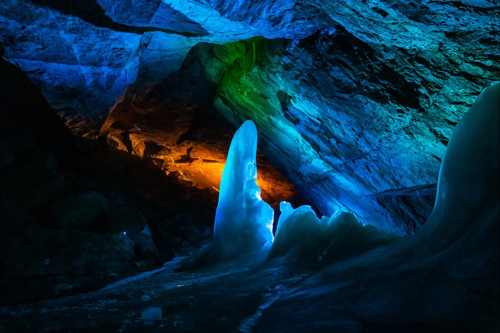 冰洞 EISHÖHLE