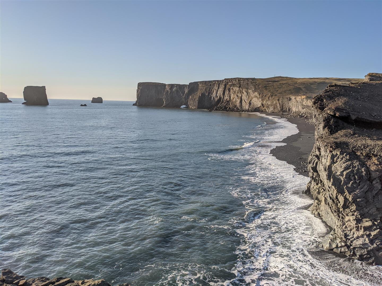 迪霍拉里半島 Dyrhólaey