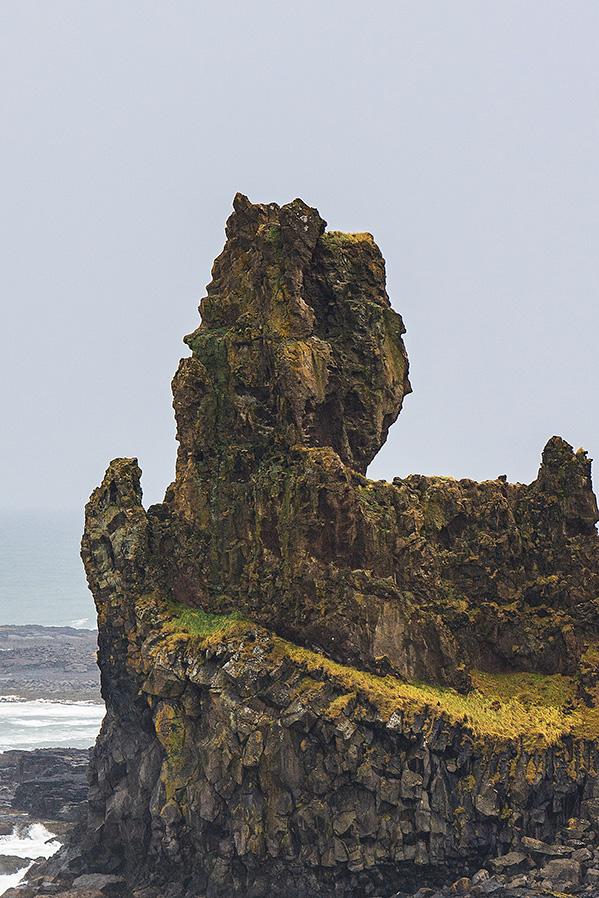 朗德拉格岩石 Londrangar